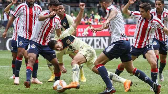 América falla penal de último minuto y empata el Clásico con Chivas