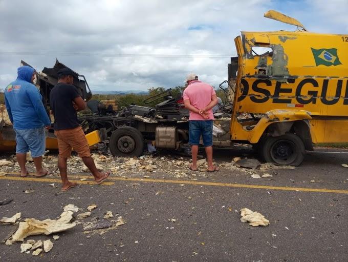 Carro-forte parte ao meio após ser explodido em tentativa de assalto na Bahia