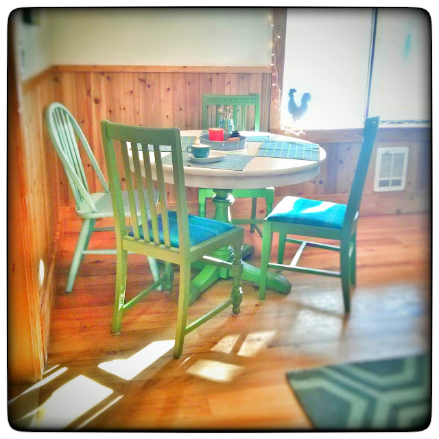 The Table And Chairs Were Left Behind When We Purchased Poofyu0027s, Perfect  For A Little DIY Project. I Usually Like To Use What I Have On Hand, ...