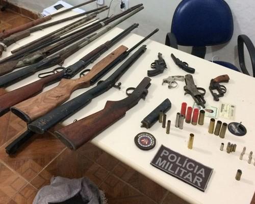 Pol cia militar descobre oficina de armas de fogo na zona for Oficina armas
