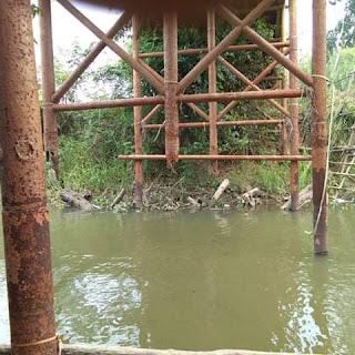 Warga Desak Dinas PUTR Segera Perbaiki Jembatan