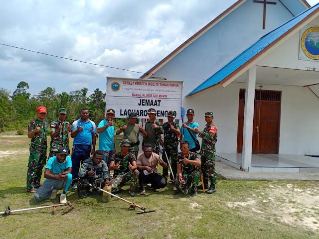 Sinergitas TNI-Polri Solid Berbenah Dalam Menyambut Natal Bersama Masyarakat di Senggo