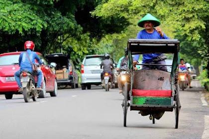 Kisah Infaq Tukang Becak, Bikin Ketua DKM Menangis Haru