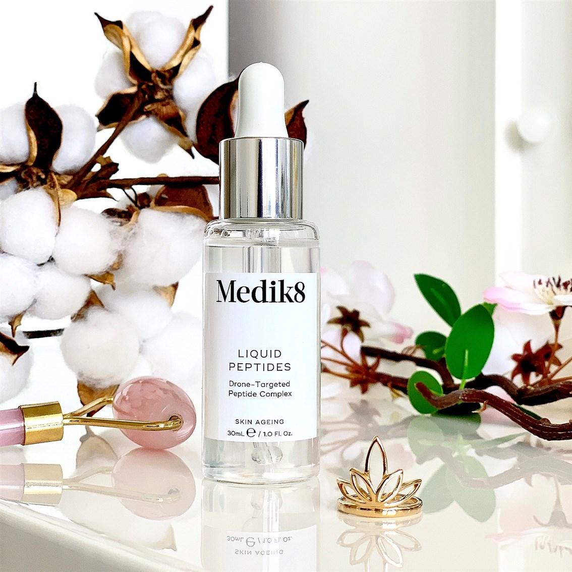 Medik8 Liquid Peptides serum peeptydowe opinie recenzja blog