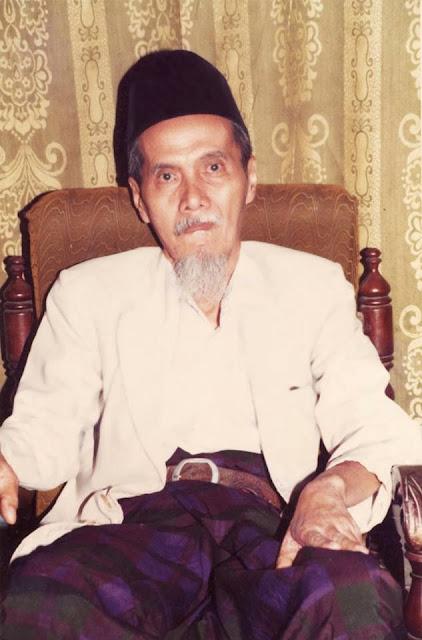 Ketika khatam Alfiah di saat usianya baru  Syekh Abul Fadlol As Senory Tuban, Menjadi Hafidz dalam waktu 2 Bulan pada Umur 9 Tahun