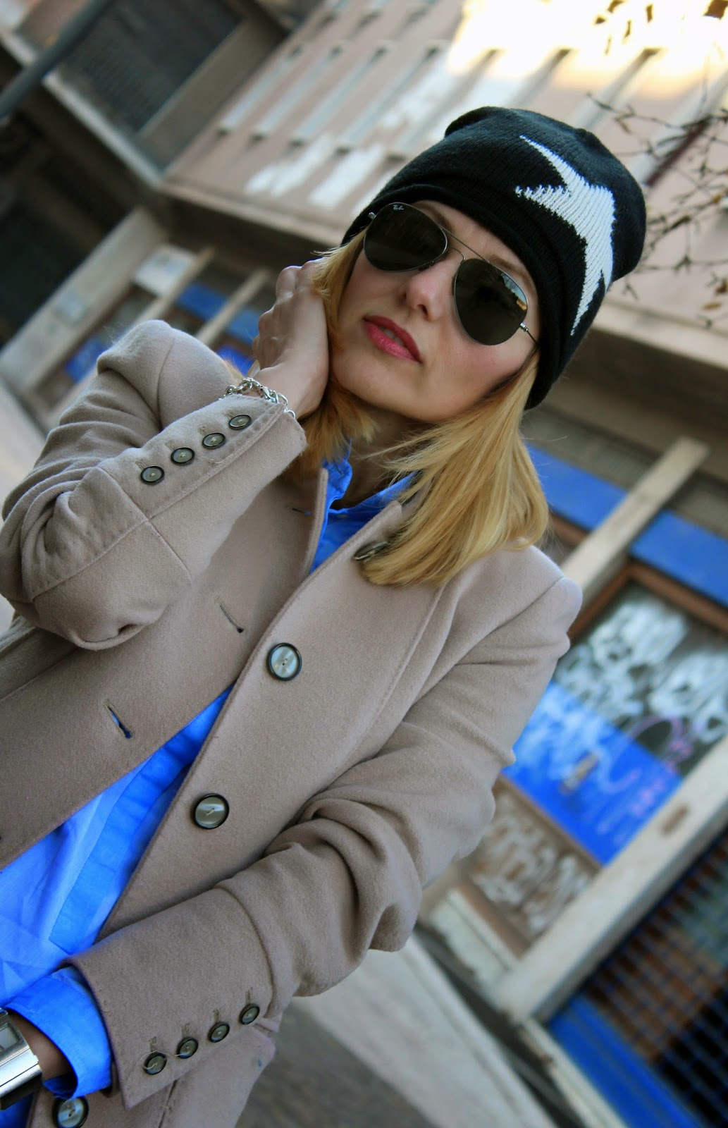 Eniwhere Fashion - Camel coat and Coq Sportif