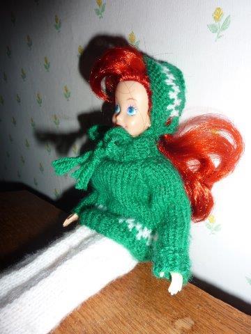 De breimeisjes dinsdag poppendag warme kleding - Groene warme of koude kleur ...