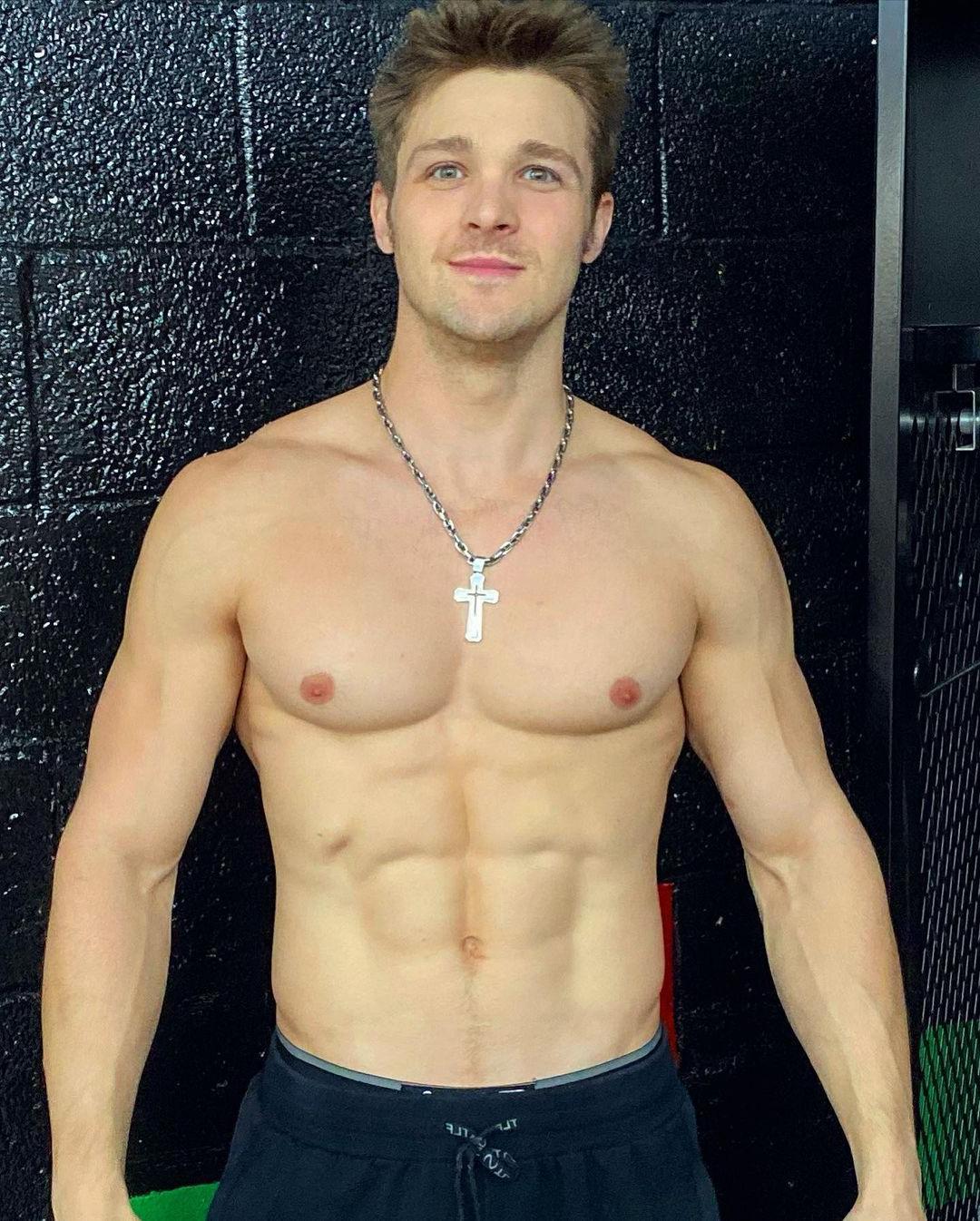 handsome-shirtless-men-smiling-cody-messner-abs-pecs