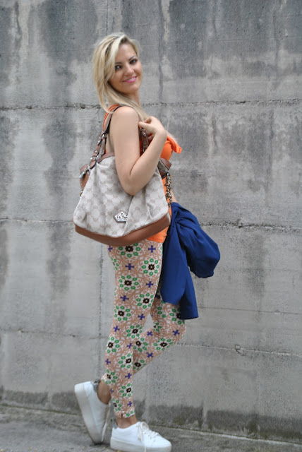 outfit leggings come abbinare i leggings abbinamenti leggings how to wear leggings leggings stampati come abbinare i leggings stampati how to wear printed leggings outfit estivi outfit luglio 2015 mariafelicia magno fashion blogger fashion bloggers italy july outfits summer outfits influencer italiane italian influencer