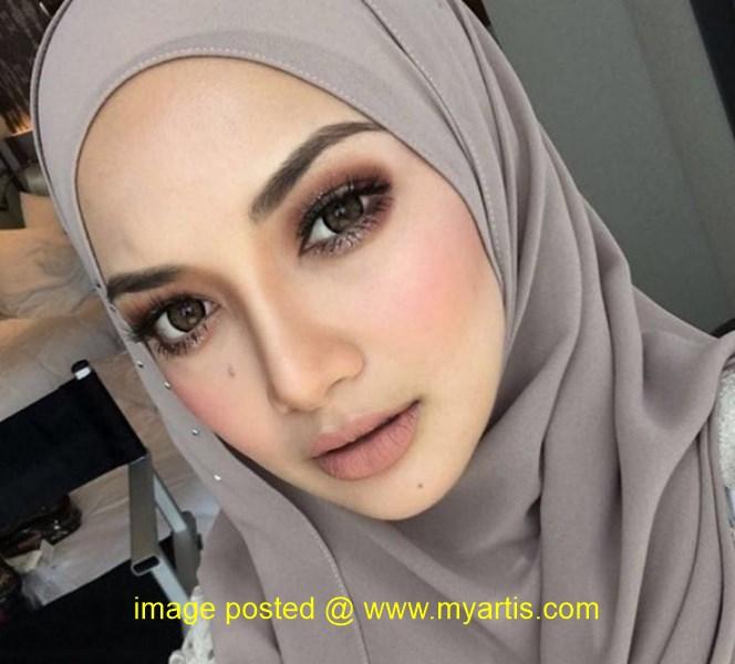 Malay tudung hijab lepas rindu dalam hutan