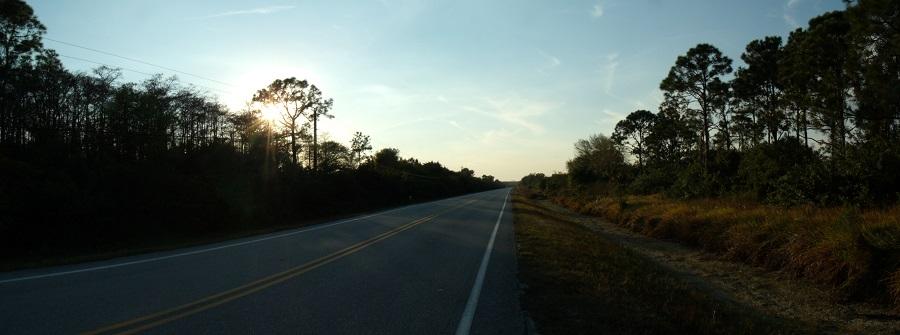 Carretera al atardecer
