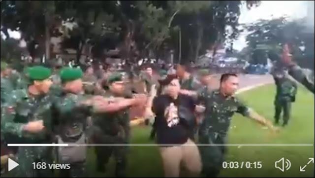 Tidak Senang Lihat Mahasiswa Ditembaki, TNI sempat Bentrok dengan Polisi di DPRD Sumut
