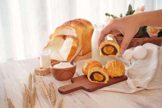 台南永康區美食【傳承烘焙坊】餐點介紹-波蘿蛋黃酥
