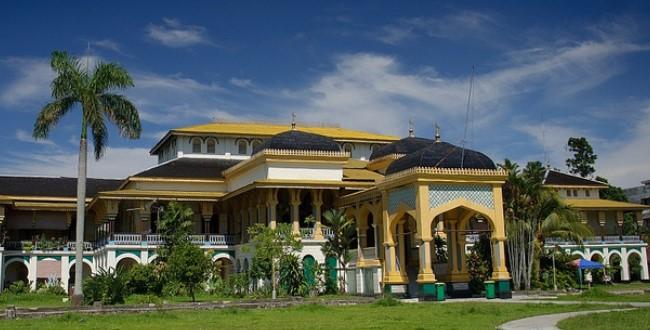 Sisi Menarik Istana Maimun Medan