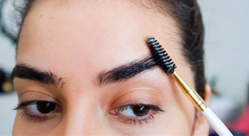 What happens when you put castor oil on your eyebrows every day?