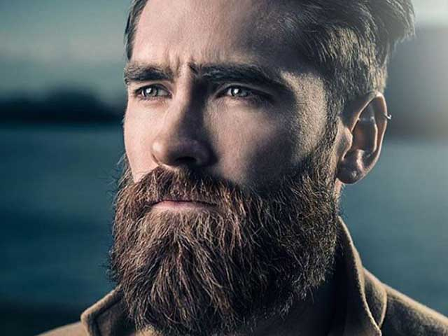 The bandholz style beard is considered the style of the beardman living the urban lifestyle. This is the long type of full beard.