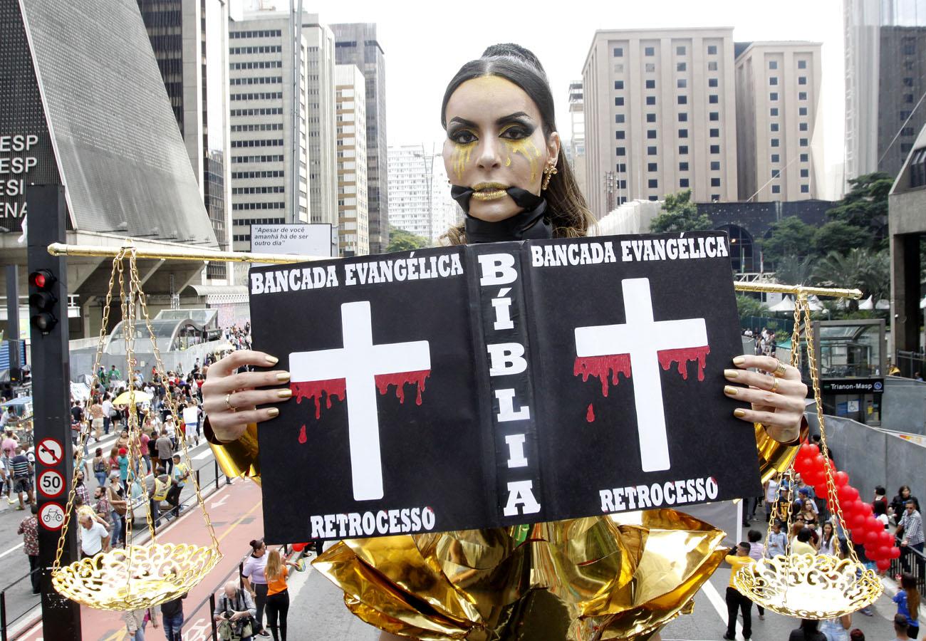Parada LGBT de São Paulo anuncia defesa do estado laico como tema