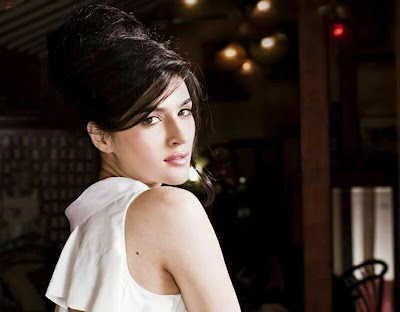 beautiful south Actress  Kriti Sanon HD   wallpaper |   Kriti Sanon Hot   HD  wallpapers | new latest   Kriti Sanon HD  pictures