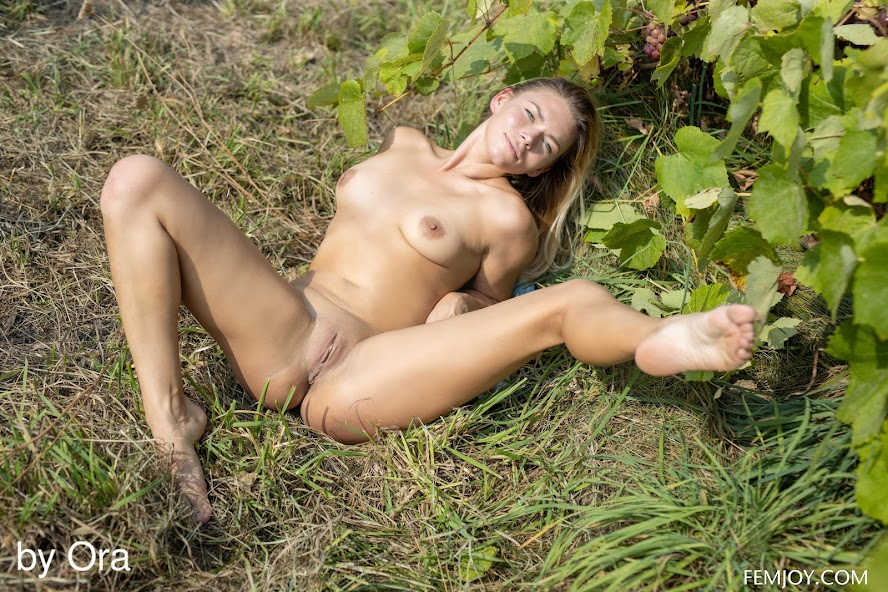 4270968487 [FemJoy] Paulina N - Natural re