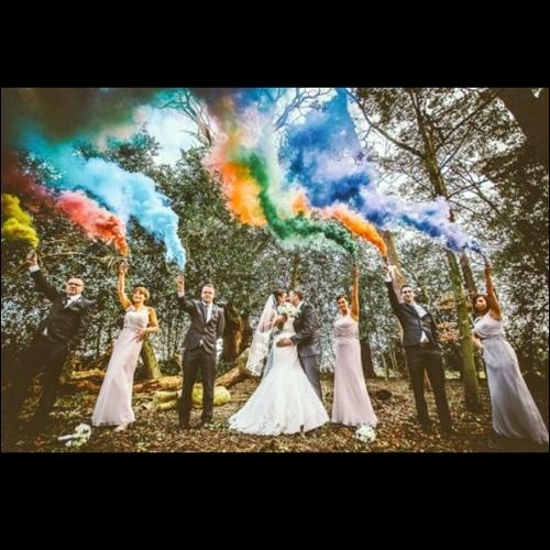 Ide Fotografi Dengan Smoke Bomb / Pipa Asap / Flare Asap