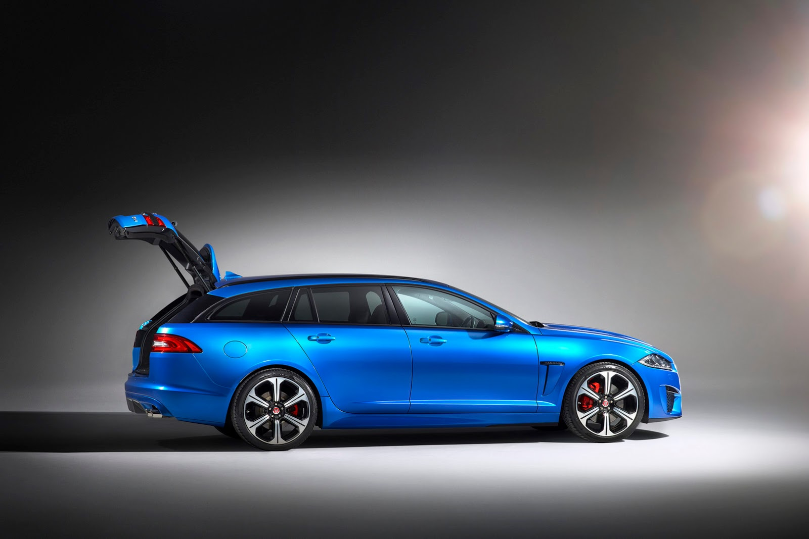 jaguar could reveal new xf sportbrake in paris auto show carscoops. Black Bedroom Furniture Sets. Home Design Ideas