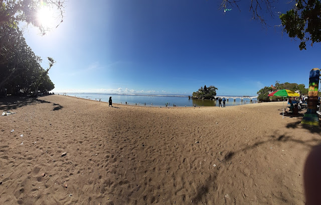 gambar pantai balekambang malang