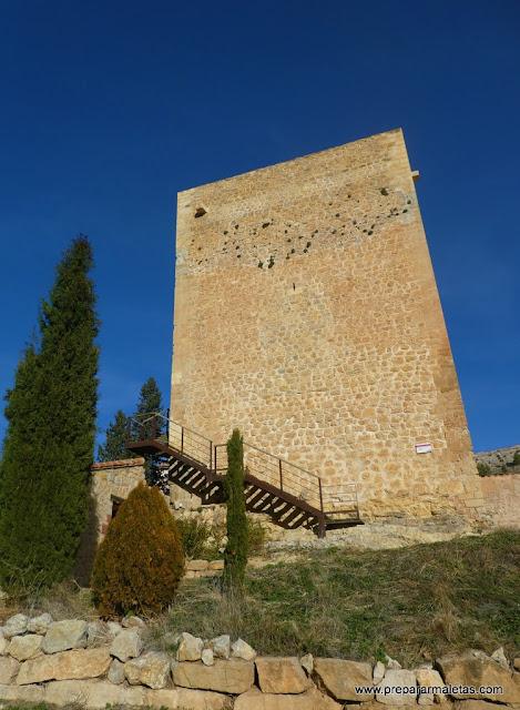 Torre de Doña Blanca en la muralla de Albarracín