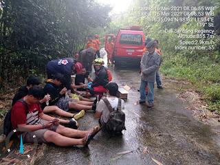 Wisatawan Asal Medan yang Tersesat di Pemandian Air Terjun Dwi Warna Sibolangit Berhasil Ditemukan Basarnas