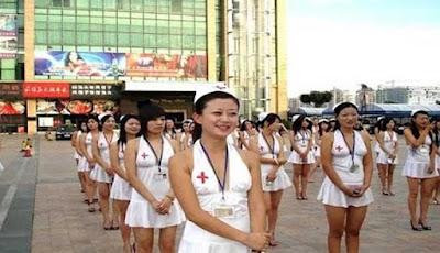 Waduh!! Jasa Menyusui Pria Dewasa Hanya Ada di Negara China