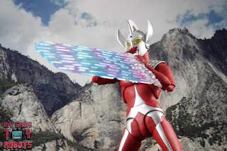 S.H. Figuarts Ultraman Taro 23