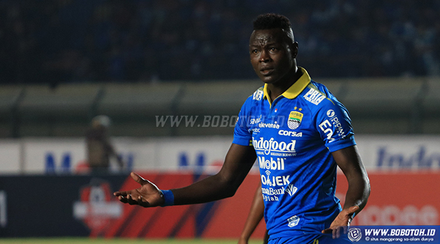 Ezechiel N'Douassel Ingin Mundur dari Persib Bandung