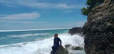 Keindahan Pantai Lere Parado