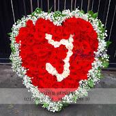 rangkaian bunga bentuk hati love