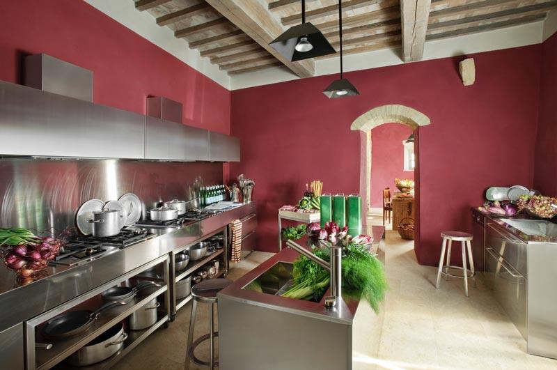 cucina moderna in acciaio - casa di campagna