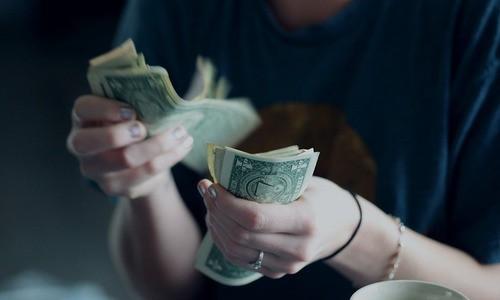 tiền gửi ngân hàng không giúp bạn giàu