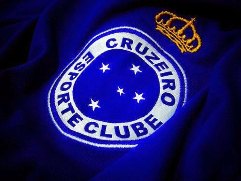 Onze Versus Onze  Cruzeiro apresenta mais dois reforços para 2015 6726b37481698