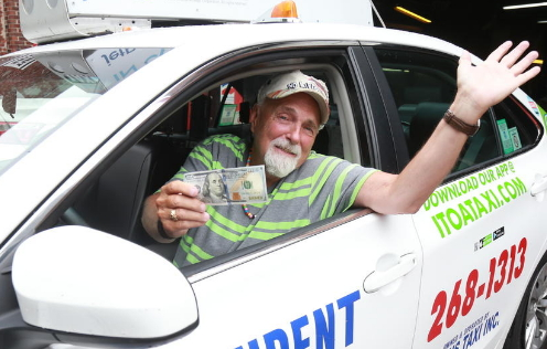 boston taxi driver gets 100 dollar reward