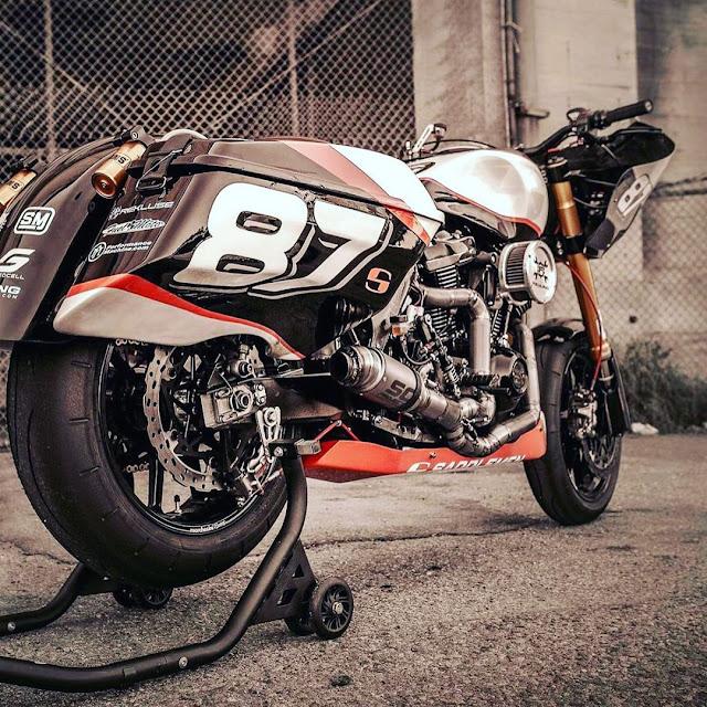Machines de courses ( Race bikes ) - Page 20 Performance%2Bbaggers%2B1080x1080-001