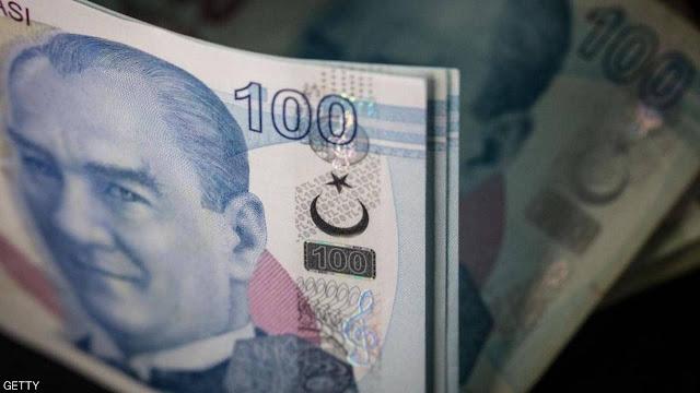 انهيار قياسي لليرة التركية مع فقدان السيطرة على التضخم