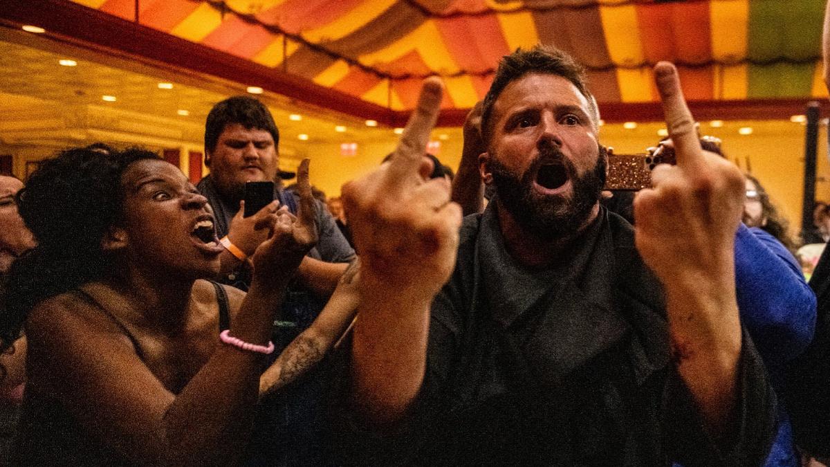 Matt Cardona faz aparição no GCW Zombie Walk e ataca Nick Cage
