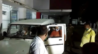 बक्सर में प्रधान लिपिक को 50 हजार रुपये घूस लेते निगरानी की टीम ने किया गिरफ्तार, लिपिक ने कहा- डीडीसी के कहने पर मांग रहा था घुस का पैसा
