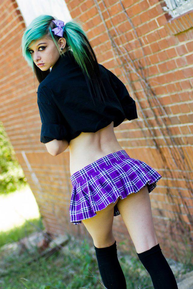 Super Emo What Are Some Emo Hairstyles For Girls Hairstyles For Women Draintrainus