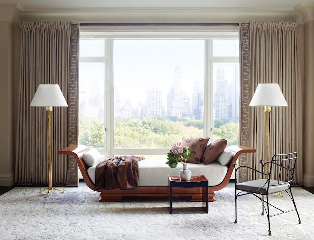 Luxuriöser Plüsch ist der neue Trend im Wohnen - Einrichten mit Metall, viel Stoff und altmodischen Schick