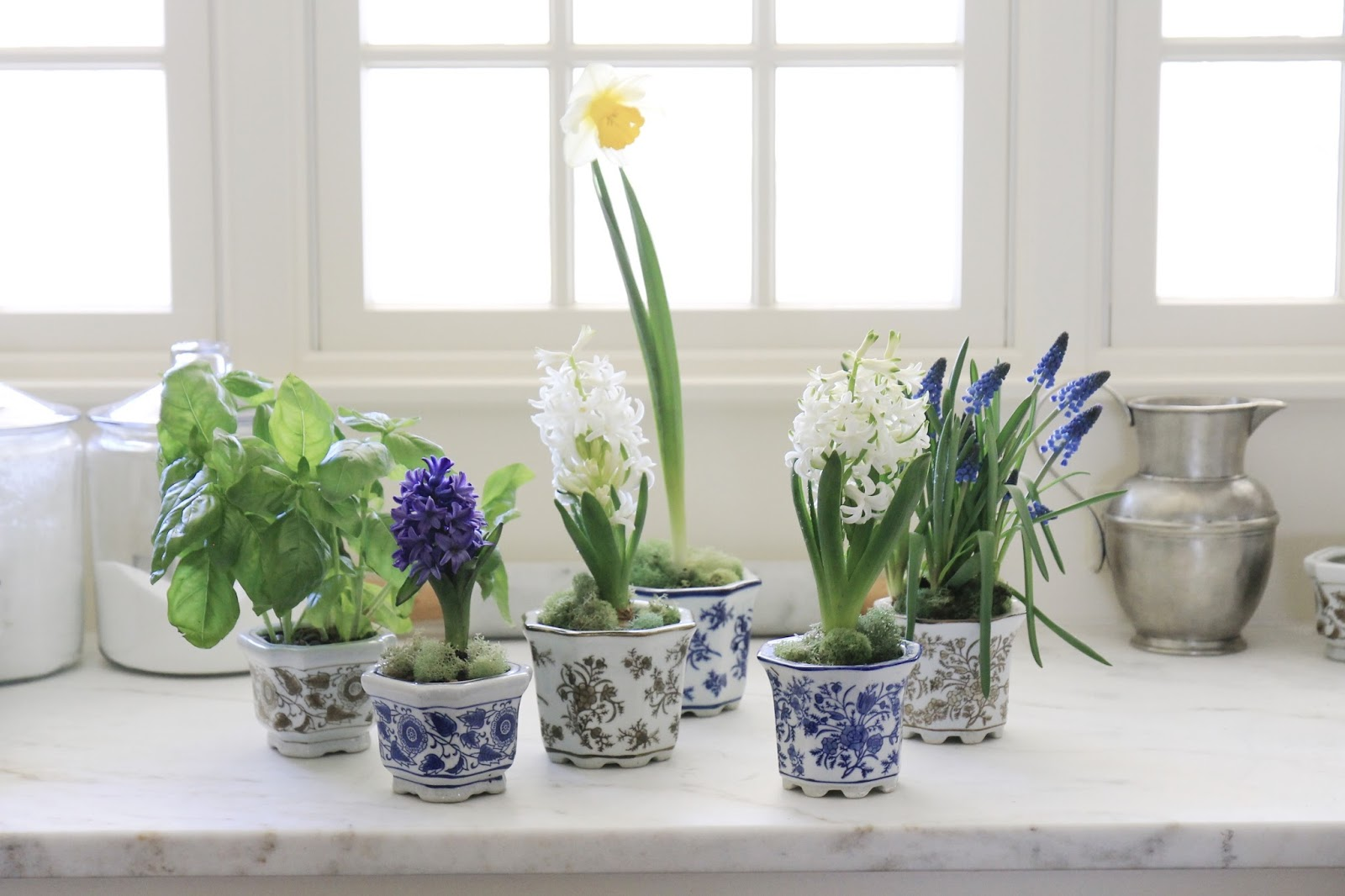 Blue White And Brown Planters 18 20 Set