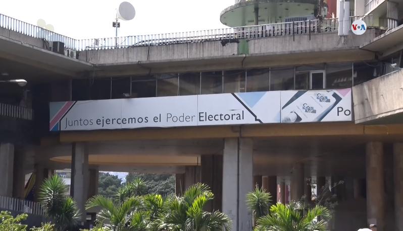 La oposición venezolana desconfía de la imparcialidad del ente electoral / VOA