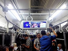 LINIKUIS - Iseng-Iseng Berhadiah Daripada Bengong di Commuter Line