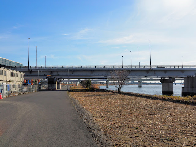荒川自転車道 京葉道路と首都高小松川線