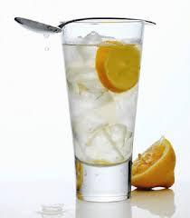 Giảm cân nhanh an toàn bằng cách uống chanh muối ấm