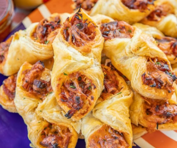 PULLED PORK PASTRY PUFFS