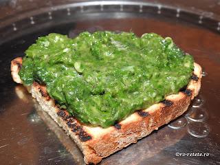 Urzici scazute reteta de casa cu usturoi retete culinare mancare gustare pe paine prajita,